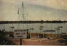 Jachthafen in Dar-es-Salam Die schönen Anlagen des deutschen Jachthafens einschließlich aller Klubgebäude wurden von den Engländern mit Beschlag belegt, während die Deutschen in Schilfhütten des Inderviertels verwiesen wurden. Englische Ritterlichkeit!