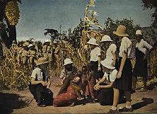 Schulausflug in Deutsch- Ostafrika Bis 1924 lebten in den deutschen Schutzgebieten mit Ausnahme von Deutsch-Südwest überhaupt keine Deutschen mehr. Erst dann begann allmählich und unter schwierigsten Verhältnissen der Wiederaufbau auf wirtschaftlichem und auch kulturellem Gebiet. Schon 1938 machte der deutsche Anteil mit rund 3000 Menschen mehr als ein Drittel der weißen Bevölkerung aus.