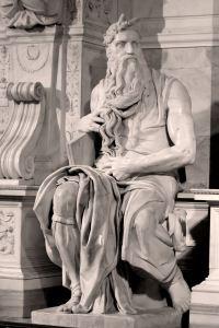 Michelangelos Moses. Man beachte die Hörner.