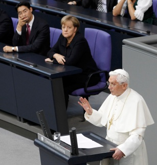POPE BENEDICT ADDRESSES MEMBERS OF GERMAN PARLIAMENT IN BERLIN